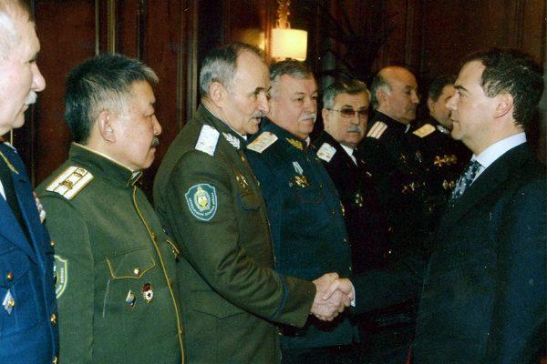 Дмитрий Медведев с атаманом Глуховским